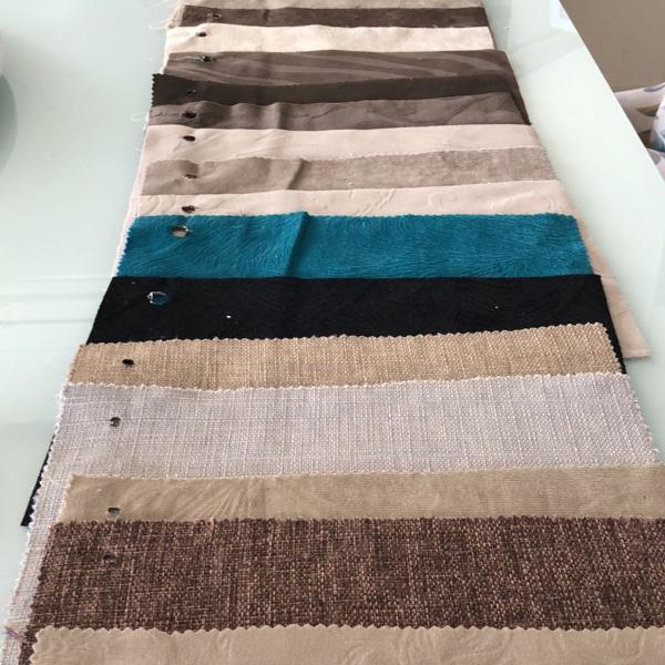 34 tecidos na medida 25x20cm, cores e estampas variadas.