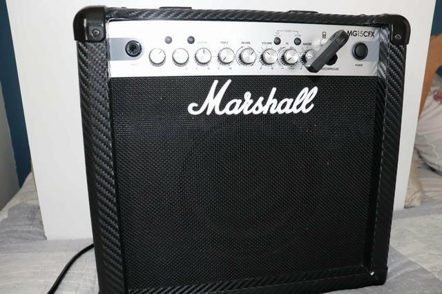 Amplificador original marshall mg 15 cfx + receptor