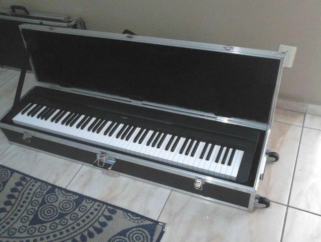 Case com rodas para piano yamaha p45