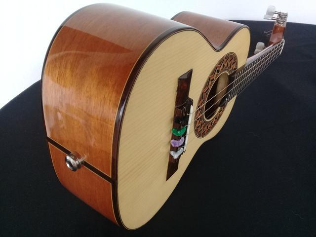 Cavaco - cavaquinho lucenir luthier de mogno com tampo em