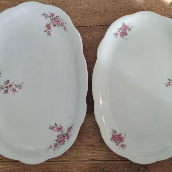 Duas cerâmicas pintadas a mão
