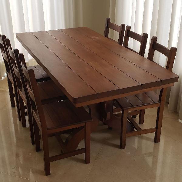Mesa de jantar em mogno, 6 lugares.