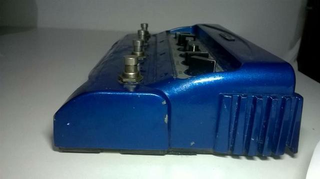 Pedal de modulações para guitarra, line 6 mm4.
