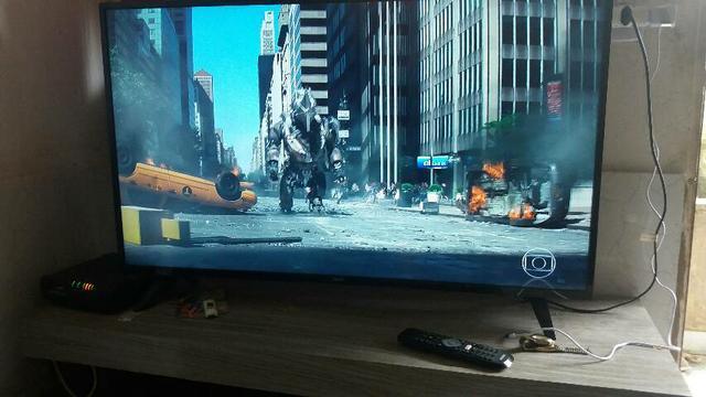 Vendo uma tv smart philips