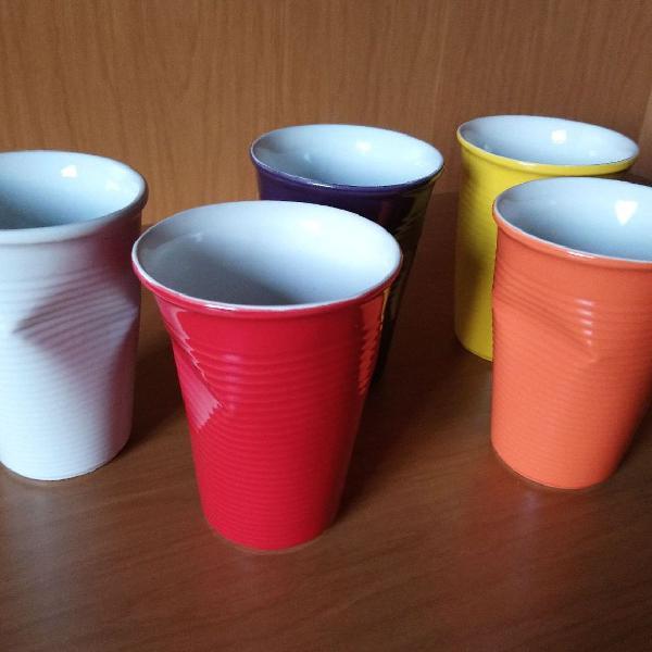 Jogo de copos porcelana