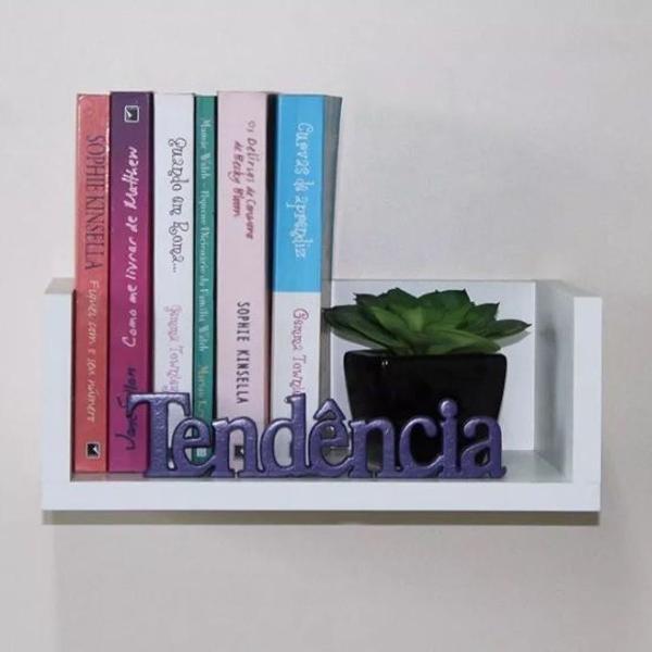 Prateleira decorativa p/ livros branca 30cm fabric. própria