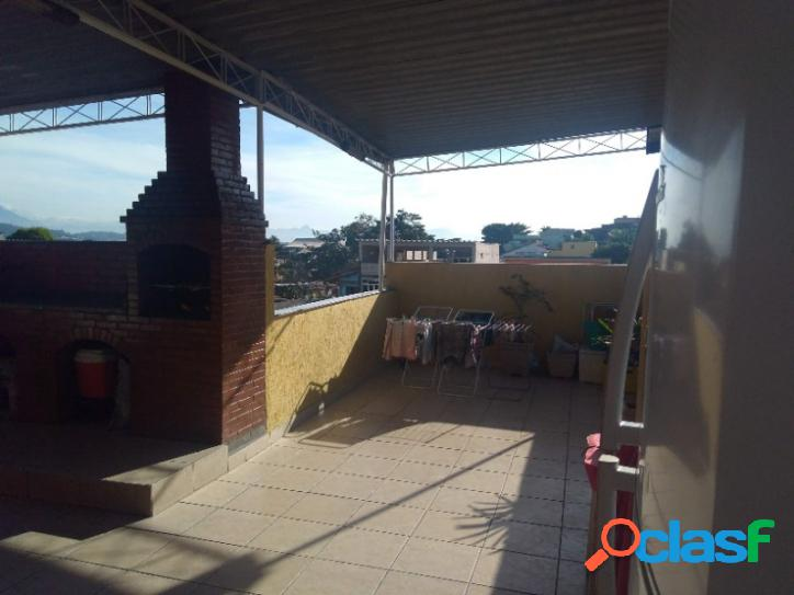 Excelente casa duplex com 02 quartos e terraço reformado - bento ribeiro