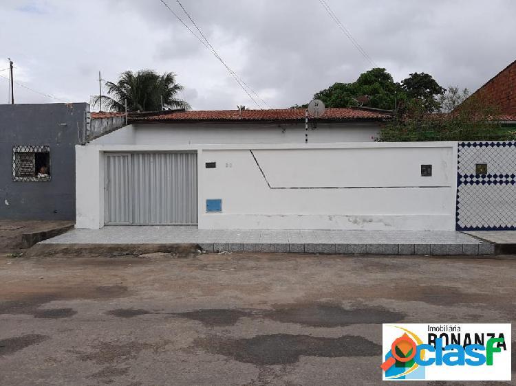 Casa com 03 quartos, 3 vagas de garagem no presidente kennedy