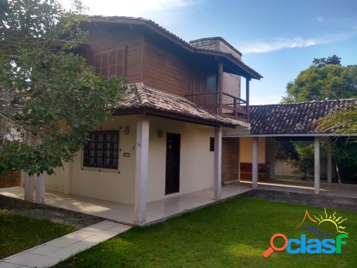 Linda Casa 3 Dormitórios à Venda na Praia do Moçambique em Florianópolis - Santa Catarina.