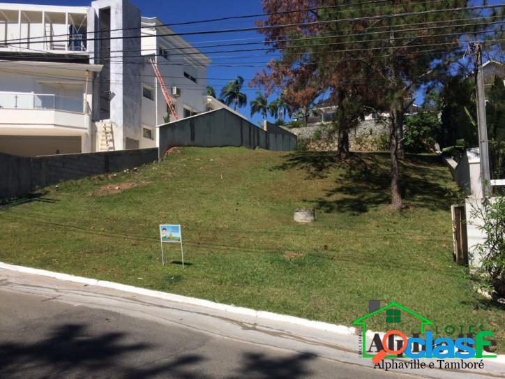 Terreno sem vizinho de frente no residencial alpha 0 - alphaville