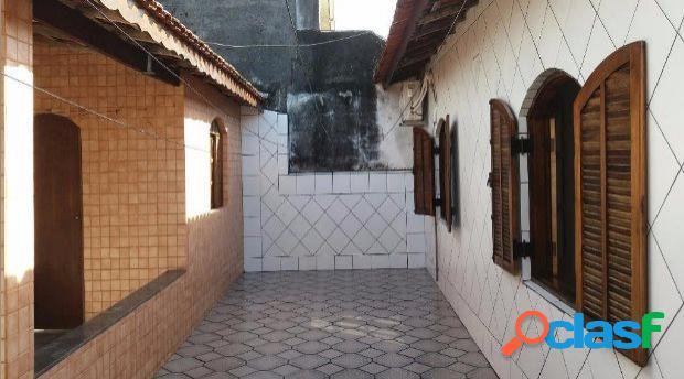 Casa com 3 dormitórios no bairro jardim anchieta em itanhaém