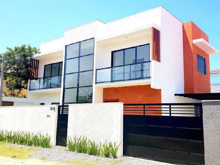 Belíssima casa nova com excelente padrão no rio tavares