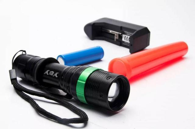 Lanterna tática camping hx-109 power style 980000w