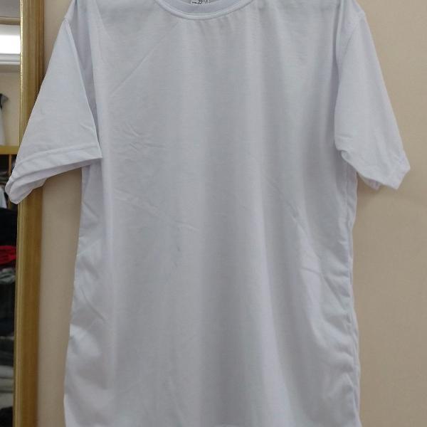 Camiseta branca nova