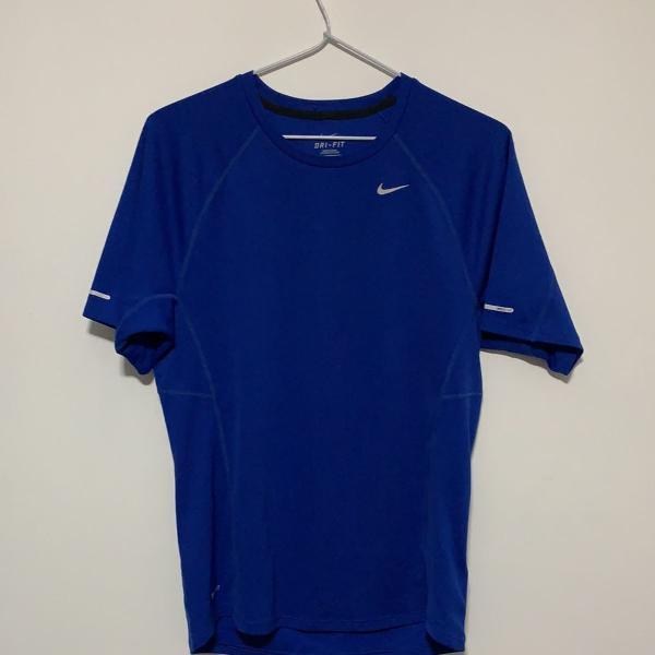 Camiseta nike dry fit pouco usada azul tamanho p