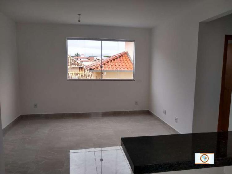 Apartamento com dois quartos/suíte no bairro nova vista. -
