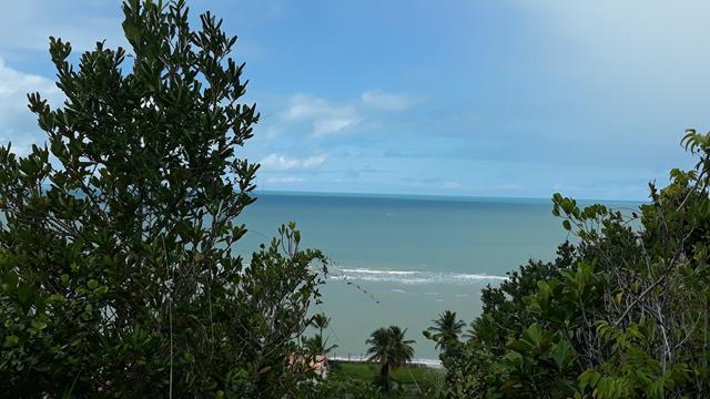 Excelente terreno com uma linda vista para o mar da pitinga