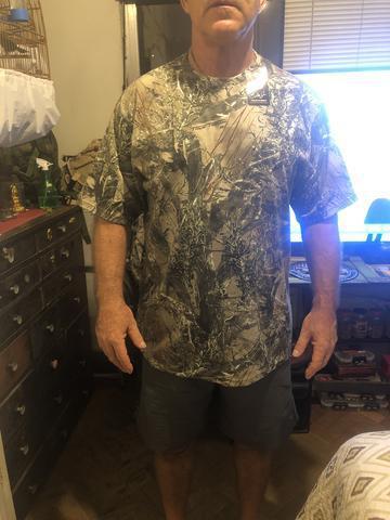 Linda camisa caça e pesca