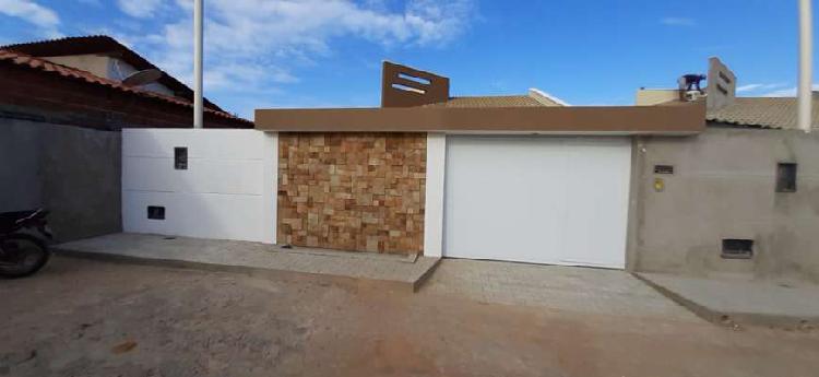 Vende-se casa nova, no bairro planalto, próx. a rotatória