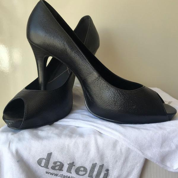 Peep toe preto datelli