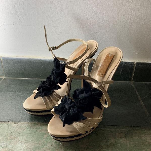 Sandália schutz tamanho 37