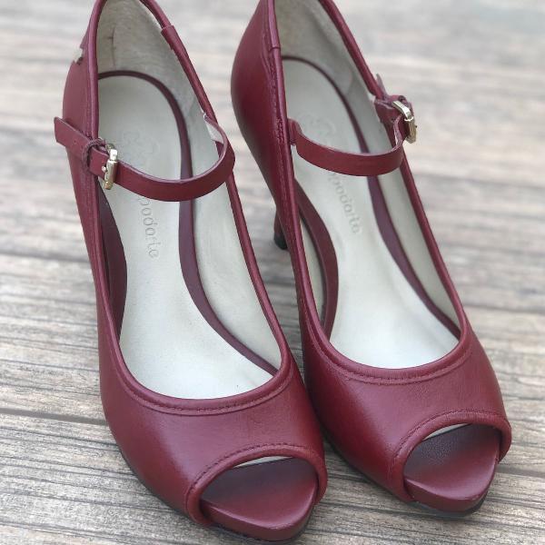Sapato capodarte couro vermelho queimado