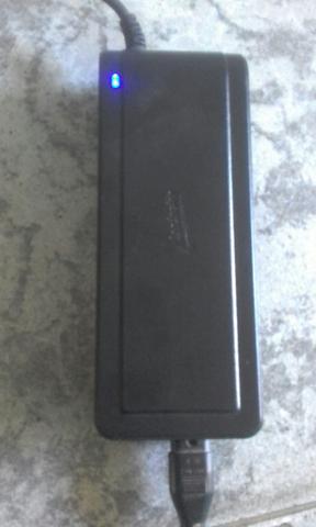 Fonte univesal pra notebook
