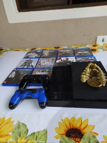 Ps4 + 10 jogos + dois controles + bonequinho do kratos