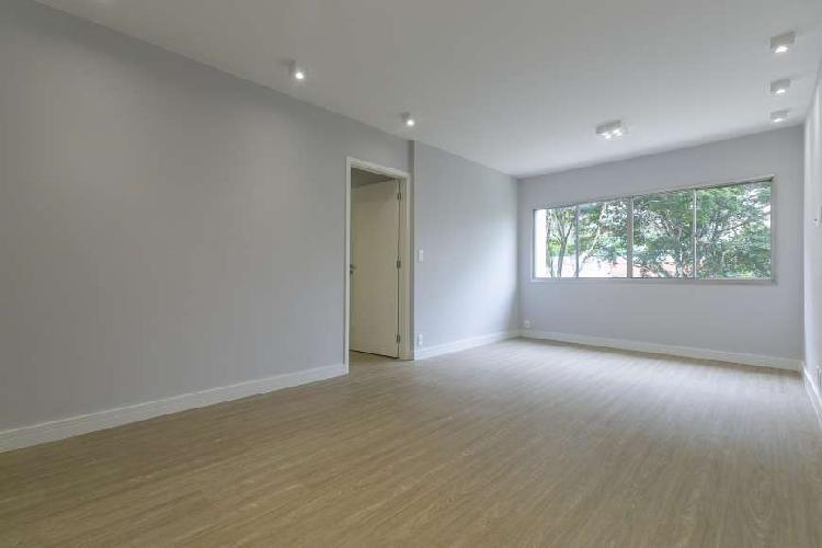 Apartamento com 90m², 2 dormitórios, 2 vagas de garagem