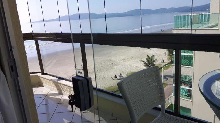Apartamento frente mar para locação temporada em meia