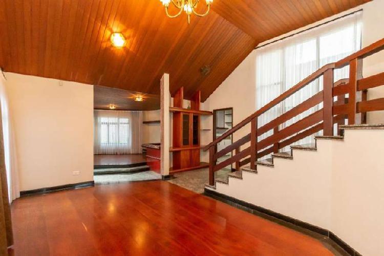 Casa para venda com 321 metros quadrados com 5 quartos em