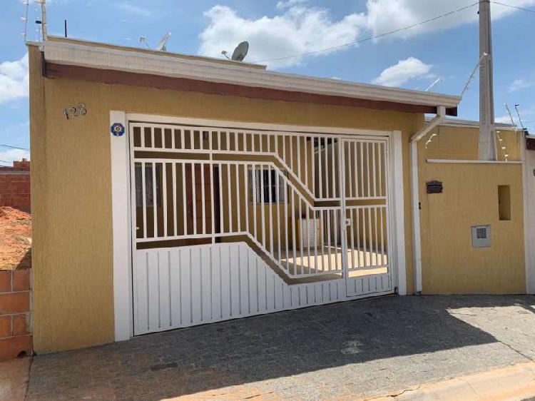 Linda casa nova para venda