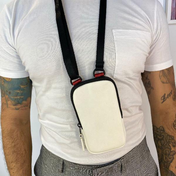 Bolsa chest bag peitoral ajustável branca para celular