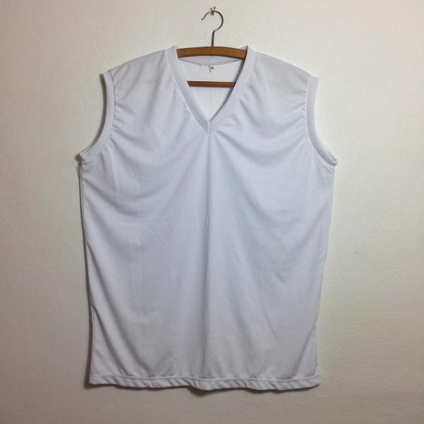 Camiseta branca sem manga m