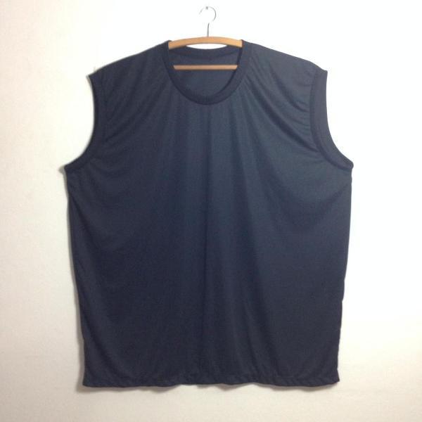 Camiseta preta sem manga g2