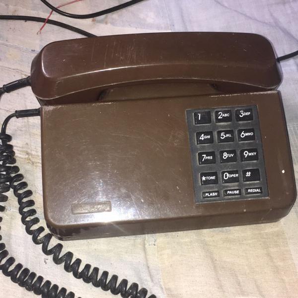 Telefone com teclas