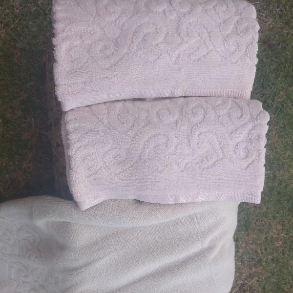 2 toalhas karsten