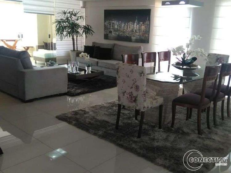 Apartamento para venda com 202 metros quadrados com 4