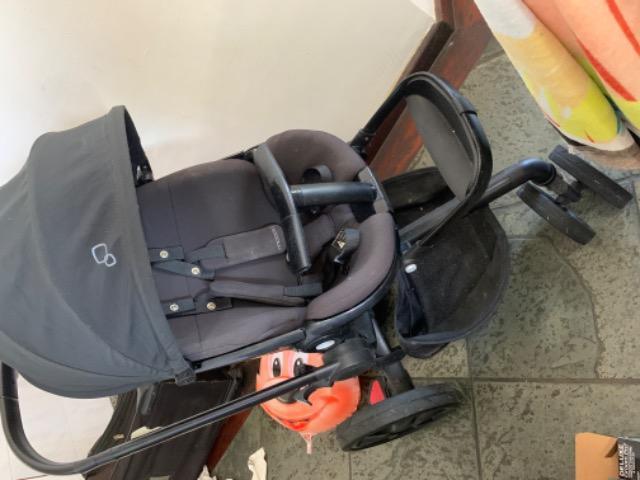 Carrinho de bebê quinny mood + bebê conforto + adaptador