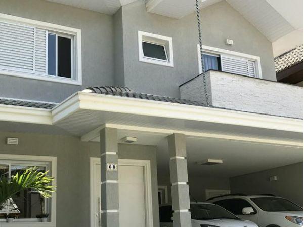 Casa com 4 dormitorios no Urbanova