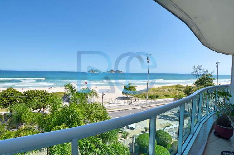 Excelente apartamento frontal mar na praia do pepê na barra