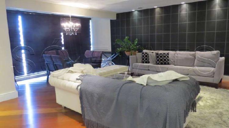 Flat alto padrão em moema com 03 dorms, prox ao shopping e