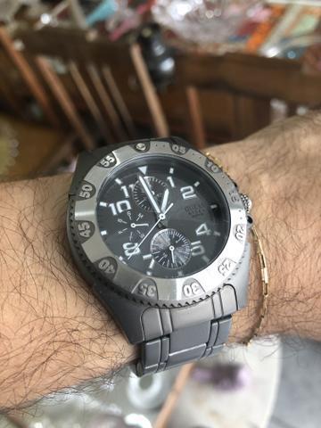 Relógio masculino em aço marca guess original