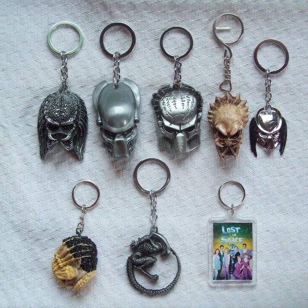 Coleção 8 chaveiros predador / alien / perdidos no espaço
