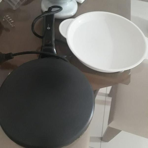 Crepeira fun kitchen antiaderente preta 110v - modelo an-330