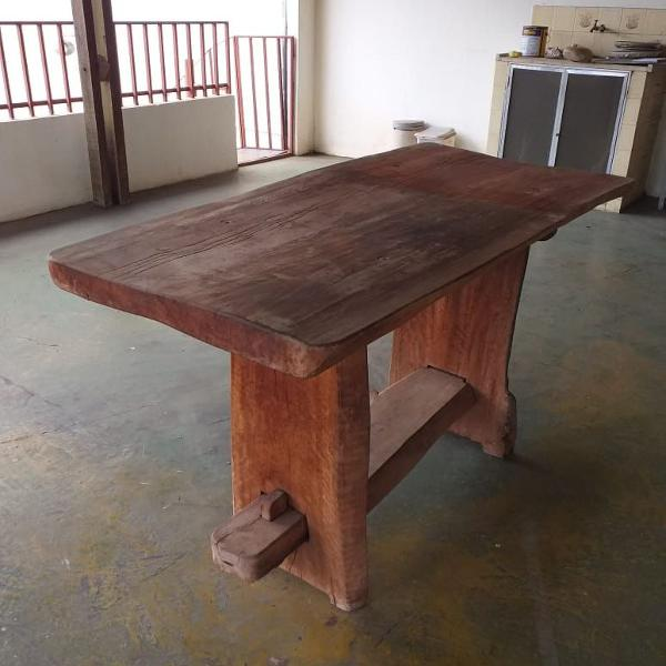 Mesa madeira demolição maciça
