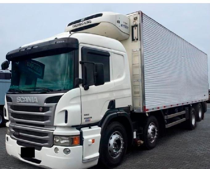 Caminhão scania p310 8x2 ano 2018.