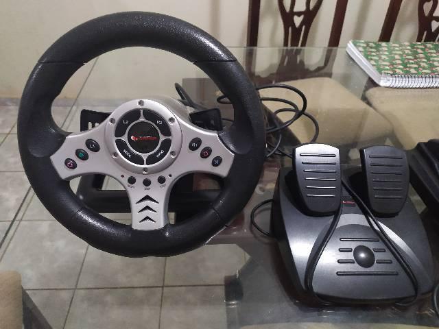 Controle volante com acelerador e macha