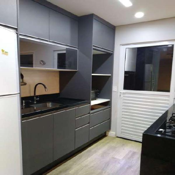 Casa térrea para venda, com 70m², 1 suíte, 2 vagas, no