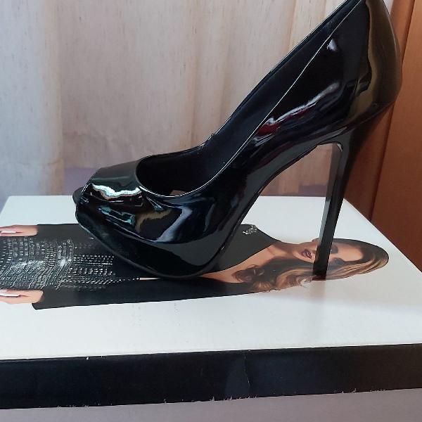 Peep toe preto, salto 12cm fino, meia pata